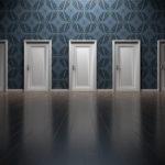 выбор дверь