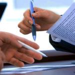руки ручки бумага