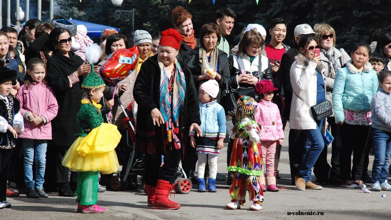 группа иностранных граждан