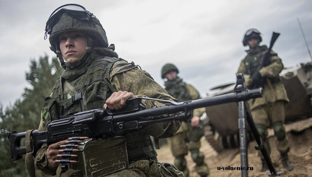 солдаты пулемет бтр